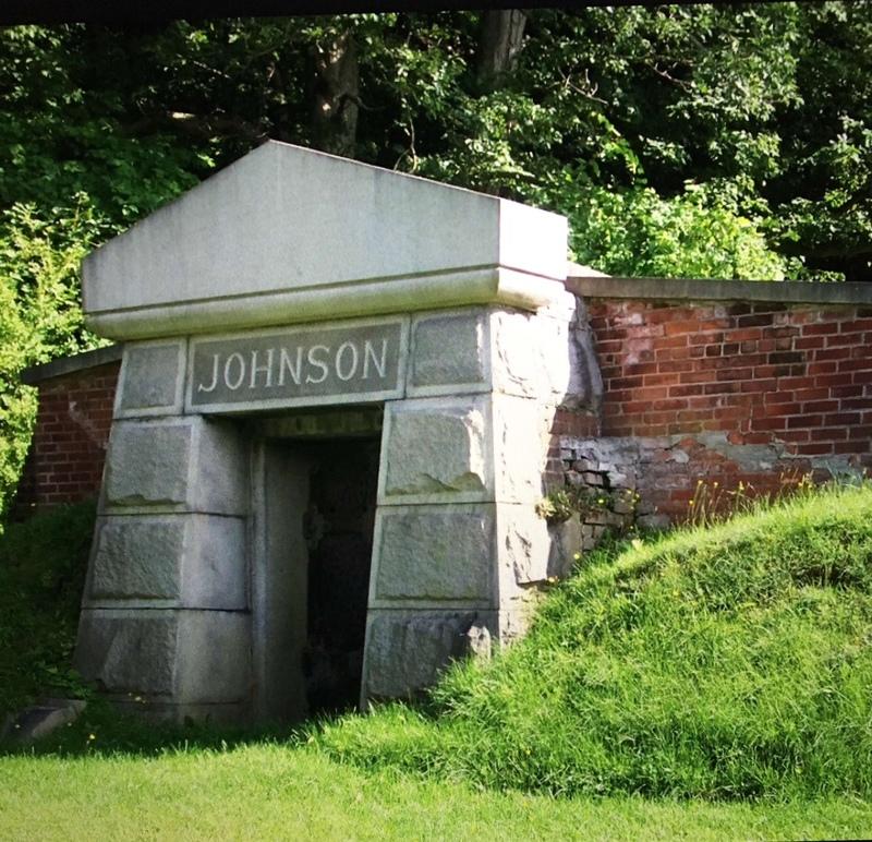 Family Crypt for Sylvander Johnson